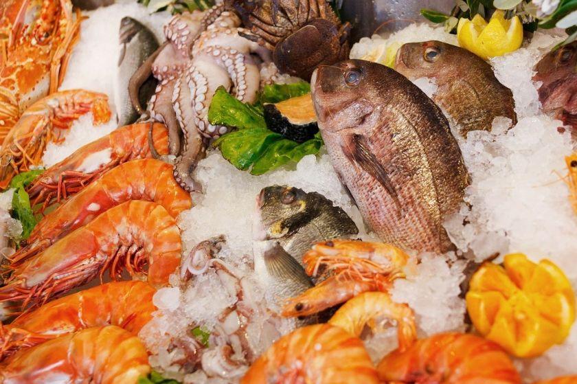 Ekspertės patarimai, kaip Kūčių vakarienei išsirinkti tik kokybišką žuvį