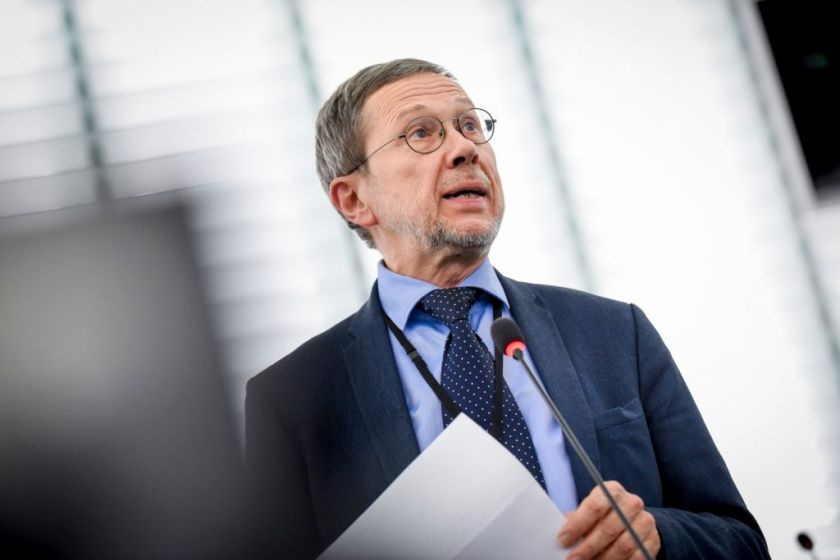 """Kovos su vėžiu komiteto EP narys prof. L. Mažylis apie ligos registrus: """"Būtini pokyčiai duomenų apsaugai"""""""