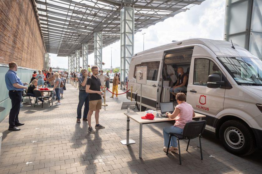 Kaip Vilnius skiepys kitą savaitę: autobusiukas atvyks į 3 rajonus, atidarytas dar vienas vakcinacijos punktas