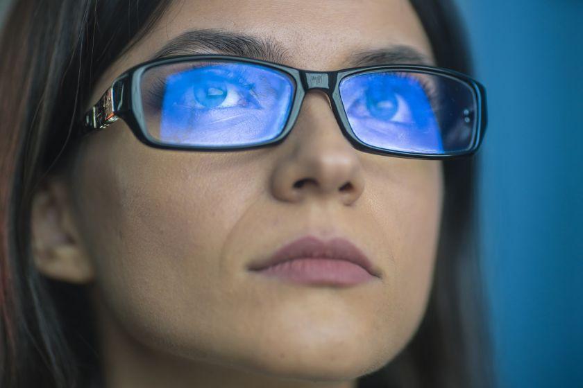 76 proc. Lietuvos gyventojų nežino, kas yra mėlyna ekranų šviesa arba nekreipia į ją dėmesio