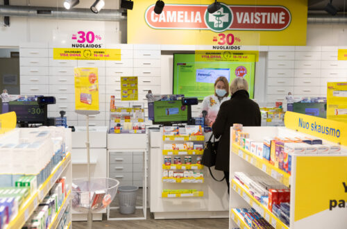 COVID-19 persirgę gyventojai pagalbos kreipiasi į vaistininkus